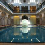Das Foto zeigt ein Schwimmbad