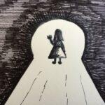 Das Foto zeigt eine schwarzweiß Zeichnung eines winkenden Mädchens