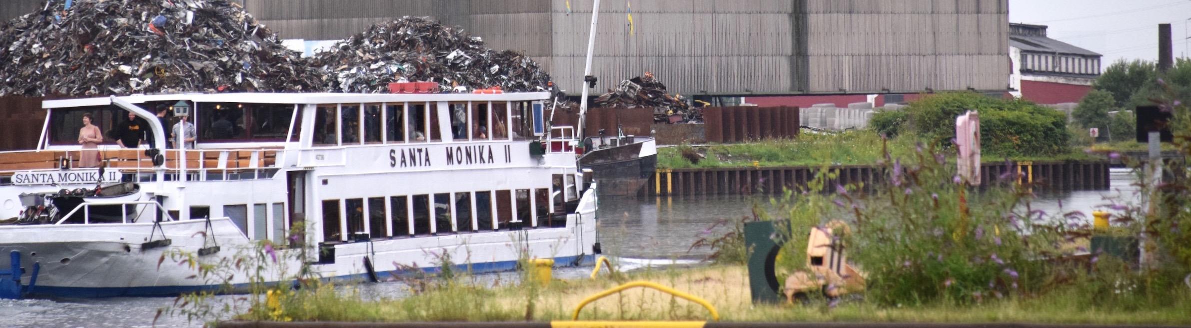 Santa Monika II macht eine Hafentour. ©mhu